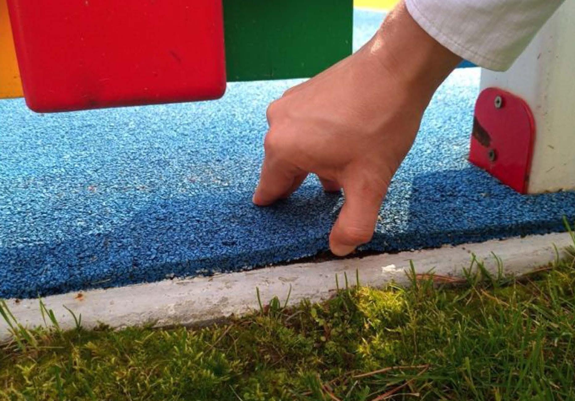 Рецензия на заключение специалистов по травмобезопасному покрытию на площадках и оценке стоимости работ по устранению недостатков
